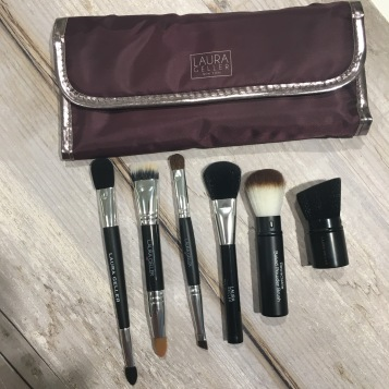 brushes-how to clean makeup brushes-makeup brushes-laurageller